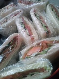 サンドイッチとごきげんよう。