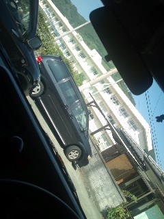 駐車場から出れない。。。