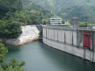 松山市/石手川ダムの貯水率約58%