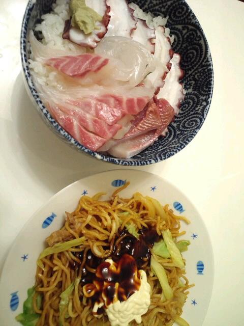 海鮮丼&カレー風味焼きそば!